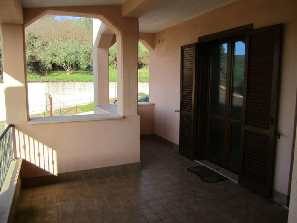 Appartamento in ottime condizioni in affitto Rif. 4222462