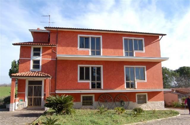 Casa Indipendente in buone condizioni in vendita Rif. 4355966