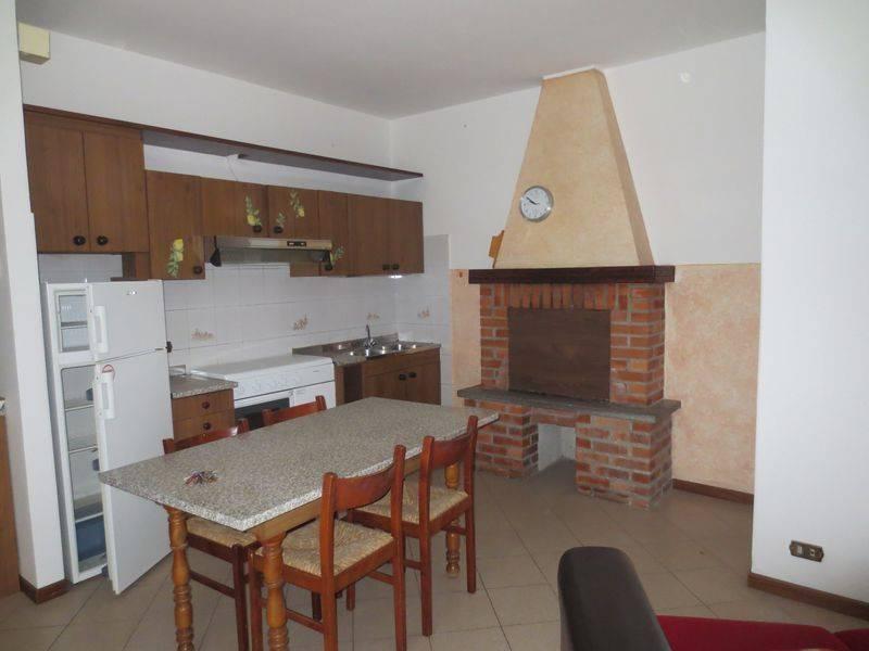 Appartamento in buone condizioni arredato in vendita Rif. 5313882