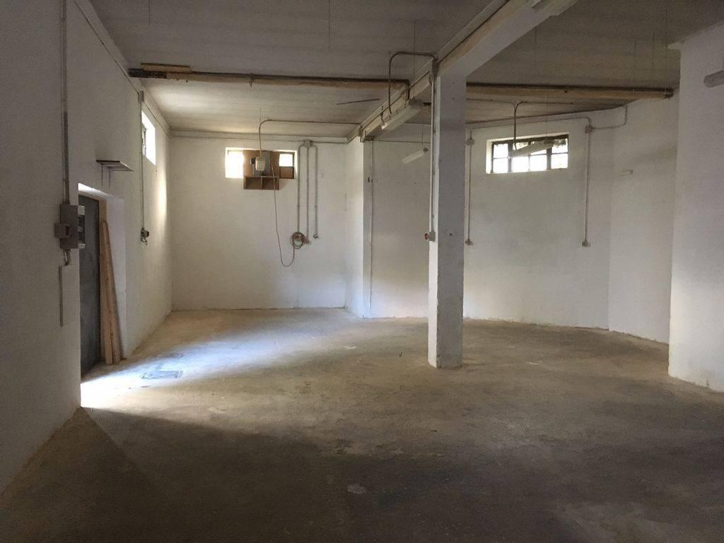 Magazzino - capannone in affitto Rif. 4289090