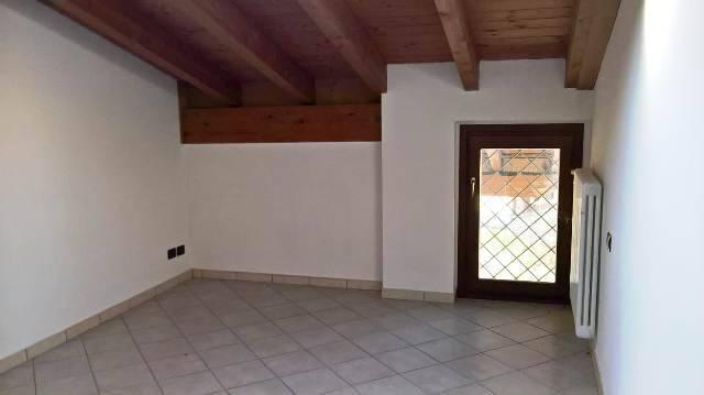 Attico / Mansarda in affitto a Borghetto Lodigiano, 2 locali, prezzo € 350 | CambioCasa.it