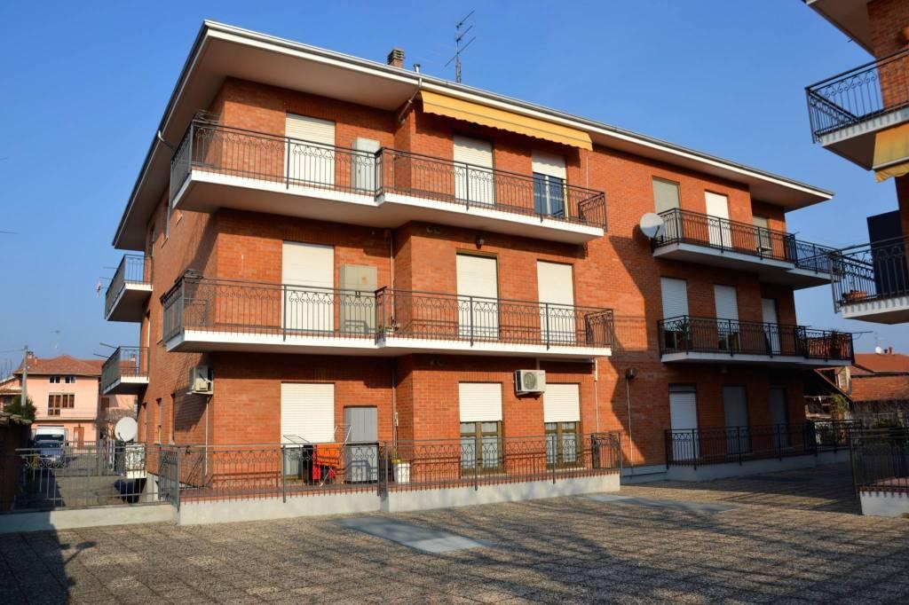 Appartamento in buone condizioni in vendita Rif. 4973105