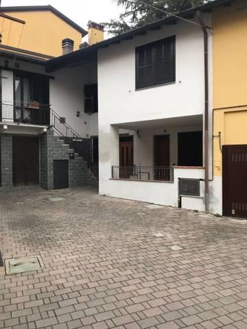 Appartamento in vendita a Cermenate, 3 locali, prezzo € 117.000   CambioCasa.it