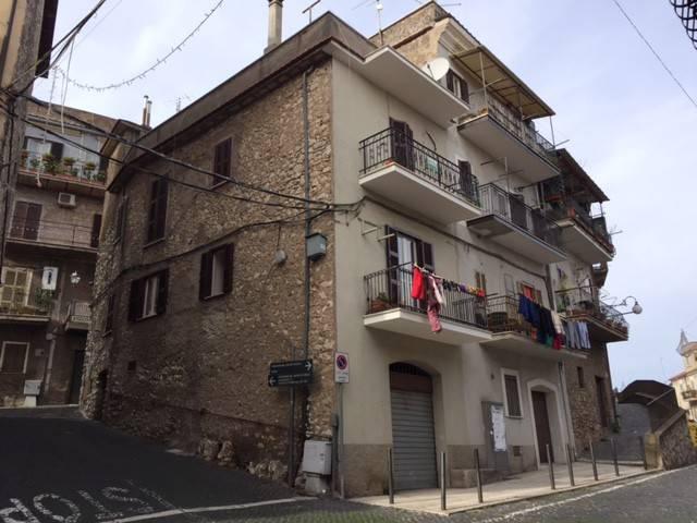 Appartamento in ottime condizioni arredato in affitto Rif. 4244055