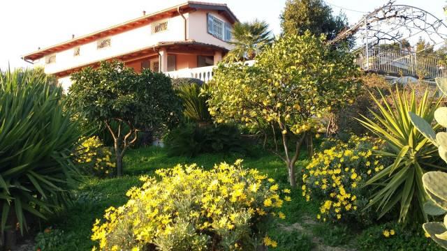 Villa in Vendita a San Remo Periferia Nord: 5 locali, 206 mq