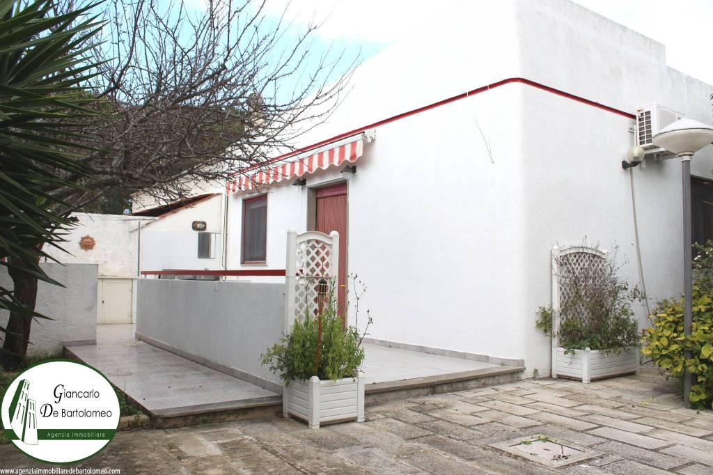 Leporano Marina - Villa con ampio giardino in Via Arachidi