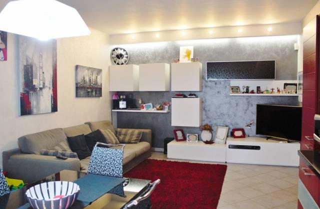 Appartamento in Vendita a Piossasco Centro: 3 locali, 85 mq