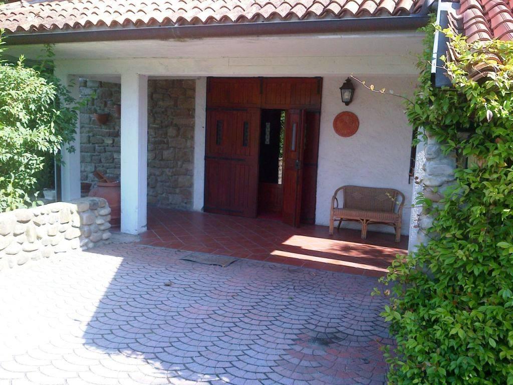 Villa in Vendita a Pianoro Periferia: 5 locali, 200 mq