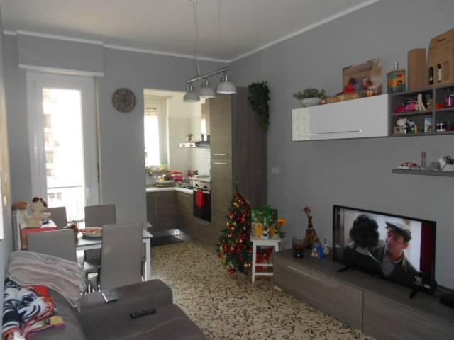 Appartamento in buone condizioni in affitto Rif. 4544813
