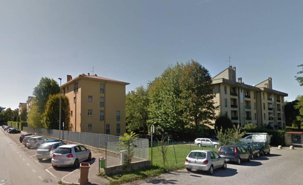 Appartamento in buone condizioni in vendita Rif. 8640312