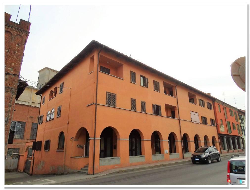Appartamento in buone condizioni arredato in affitto Rif. 7856760