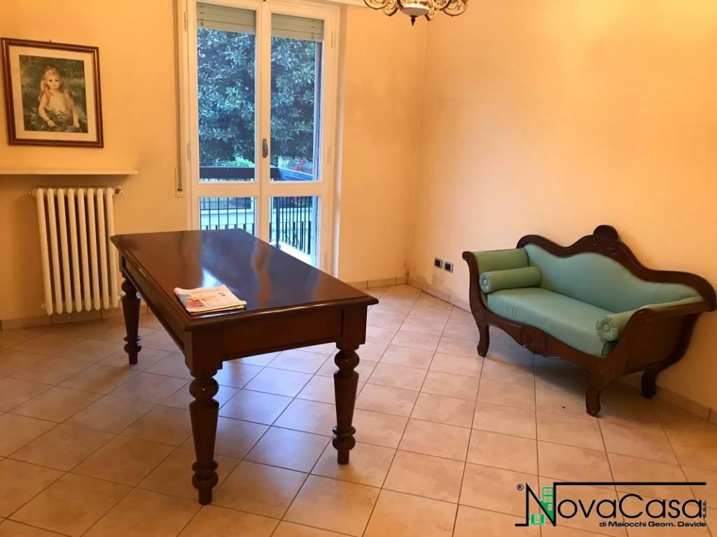 Appartamento in ottime condizioni in vendita Rif. 4187904