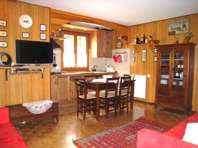 Appartamento in buone condizioni arredato in affitto Rif. 4179271