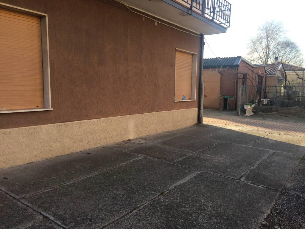 Appartamento da ristrutturare in vendita Rif. 7870292