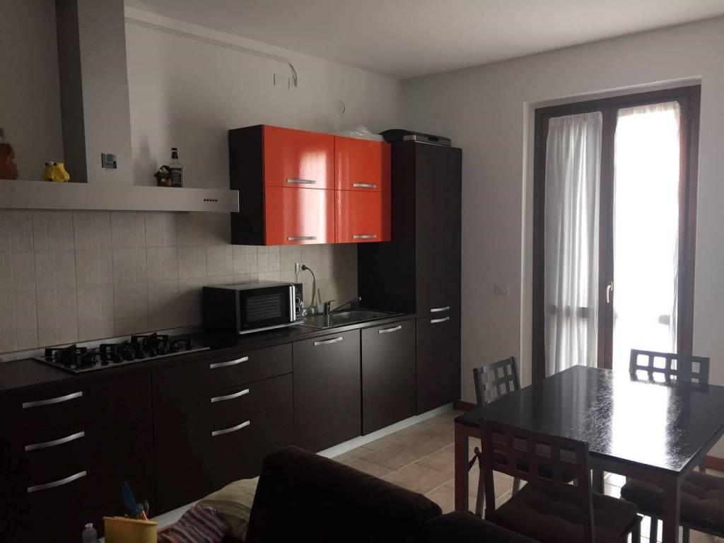 Appartamento in ottime condizioni parzialmente arredato in vendita Rif. 8900421