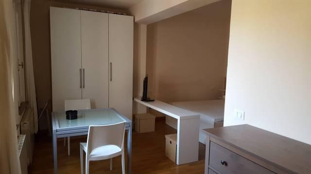 Appartamento in affitto a piacenza piazza del borgo for Affitto piacenza arredato