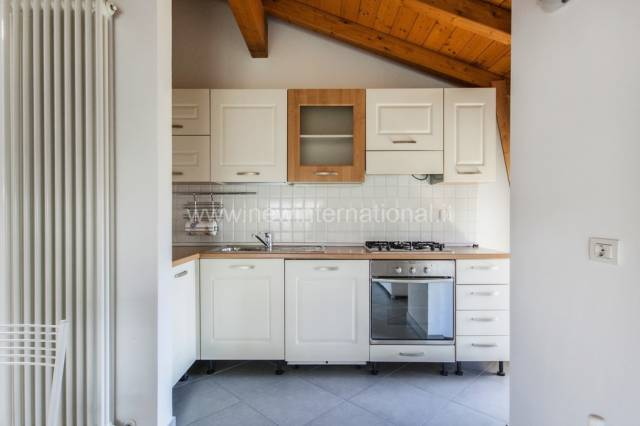 Appartamento 5 locali in vendita a Pietrasanta (LU)