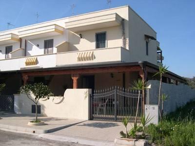 Casa indipendente 5 locali in vendita a Ugento (LE)
