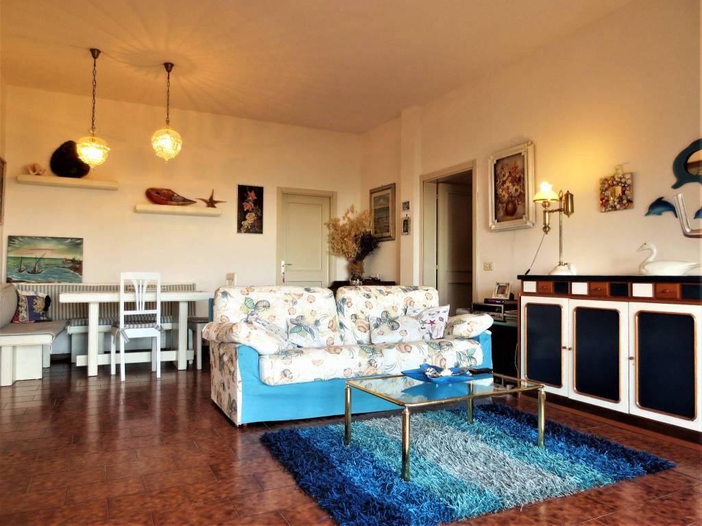Villa parzialmente arredato in vendita Rif. 8288218