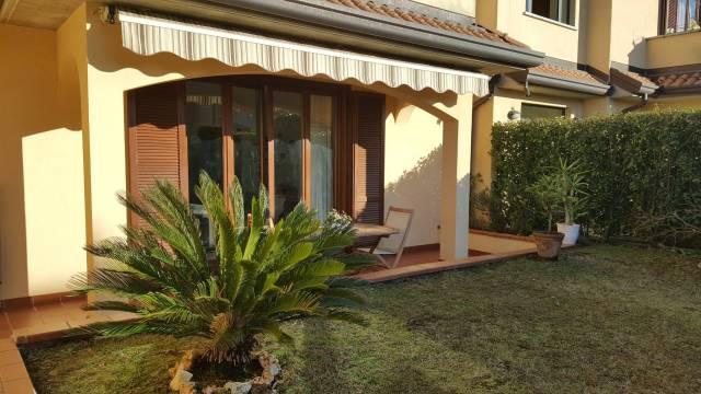 Appartamento in ottime condizioni in vendita Rif. 6905698