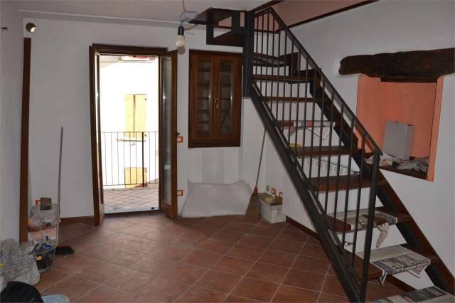 Villa Unifamiliare - Indipendente CAPREZZO vendita   Intrasca Verbania Casa snc