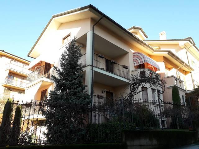 Villa a Schiera in vendita a Santhià, 6 locali, prezzo € 268.000 | CambioCasa.it