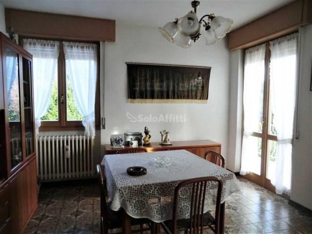 Appartamento in buone condizioni arredato in affitto Rif. 5201310