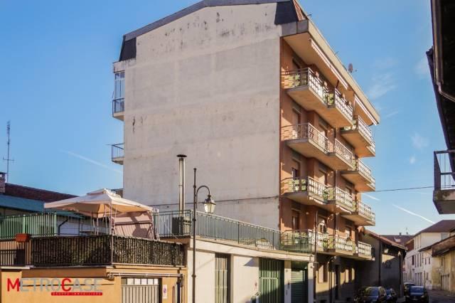 Appartamento in buone condizioni in affitto Rif. 4334524