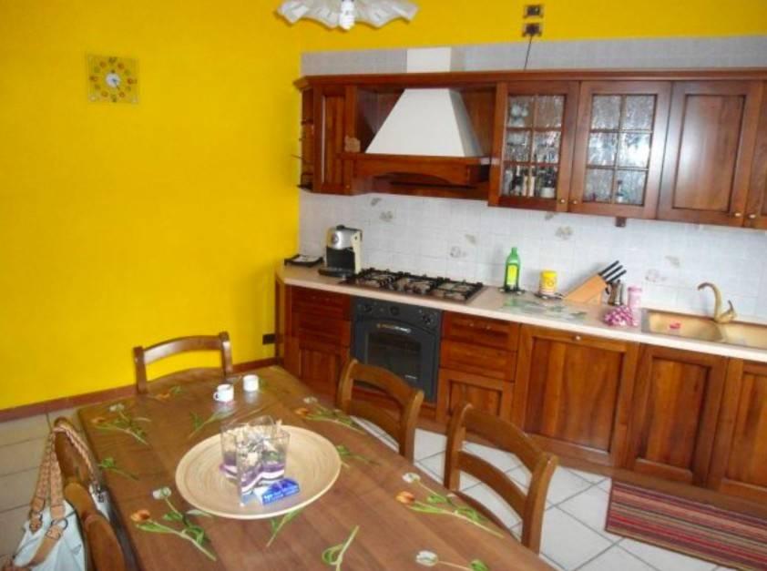 Appartamento in buone condizioni in vendita Rif. 5263745