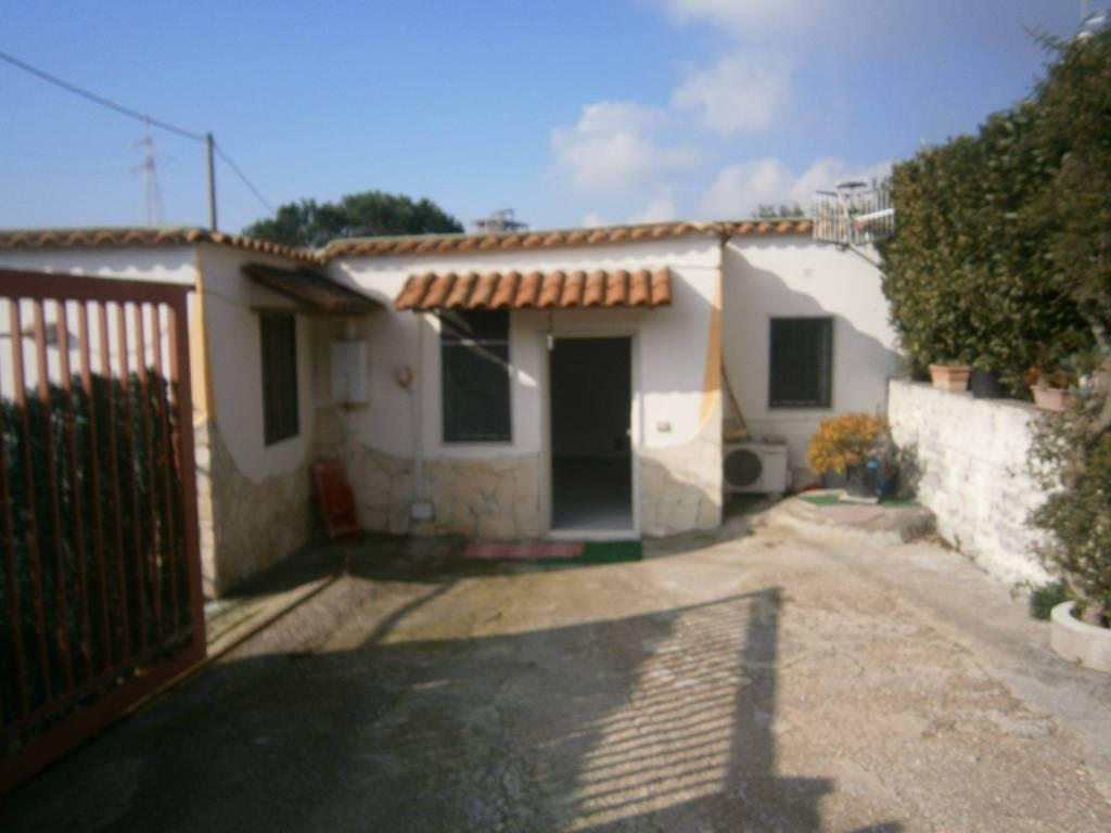 Appartamento in buone condizioni arredato in affitto Rif. 8593467