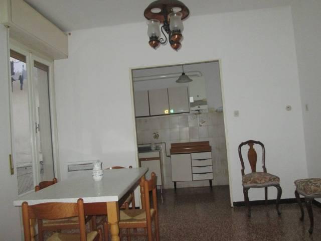 Appartamento in buone condizioni parzialmente arredato in affitto Rif. 4839534