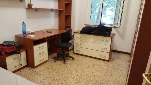 Via G. Leopardi Camera singola in appartamento con 3 camere Rif.13766526