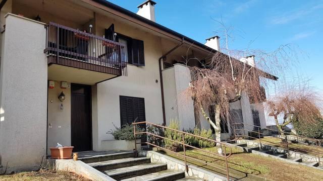 Appartamento in buone condizioni in vendita Rif. 4219698