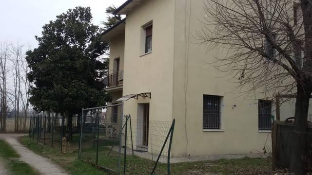 Appartamento in buone condizioni arredato in vendita Rif. 4366078