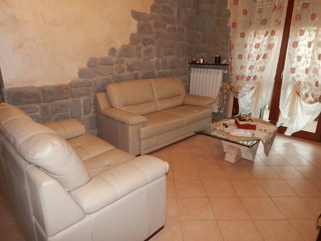 Appartamento in vendita a Trecate, 3 locali, prezzo € 138.000 | CambioCasa.it