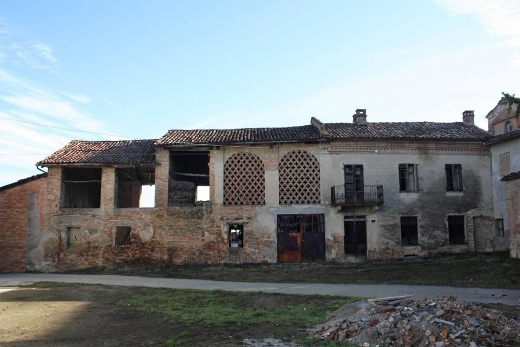 Rustico 6 locali in vendita a Castagnole delle Lanze (AT)