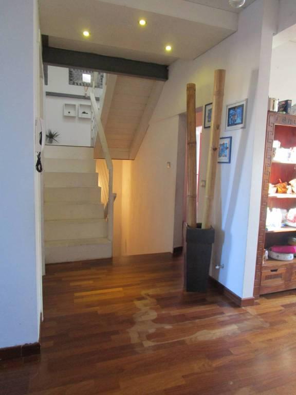 Appartamento in ottime condizioni in vendita Rif. 9149896