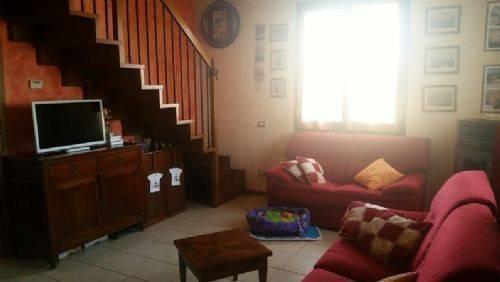Appartamento in ottime condizioni in vendita Rif. 7768408