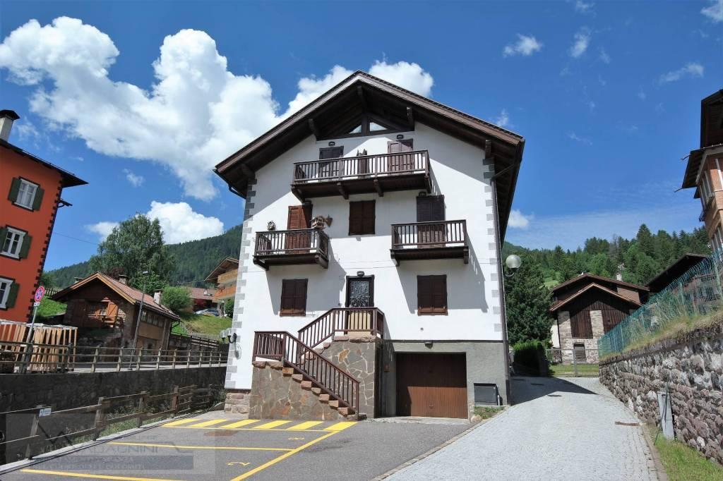 Appartamento in ottime condizioni arredato in vendita Rif. 4289929
