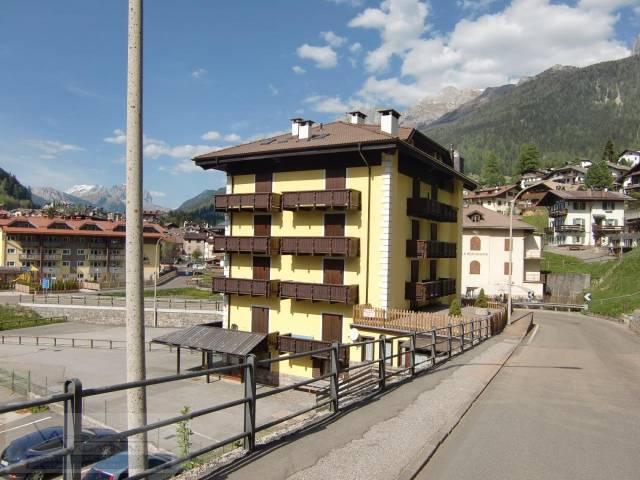 Appartamento in buone condizioni arredato in vendita Rif. 4289933