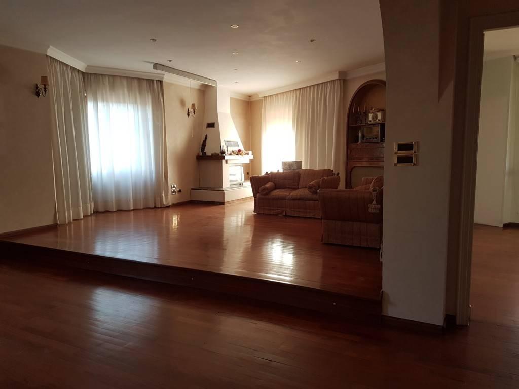 Foto 1 di Appartamento via Pramartino 12, San Pietro Val Lemina