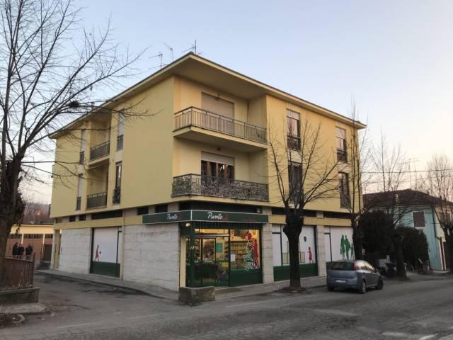 Appartamento in buone condizioni in vendita Rif. 4503924