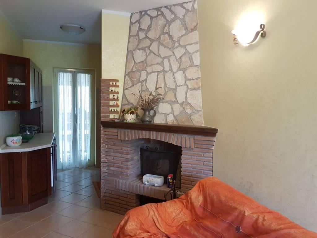 Villetta a schiera in ottime condizioni arredato in vendita Rif. 8256642