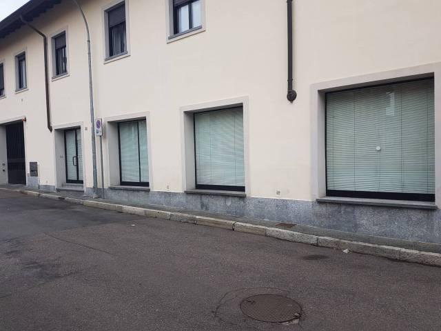 Negozio / Locale in affitto a Cerro Maggiore, 1 locali, prezzo € 1.350 | CambioCasa.it