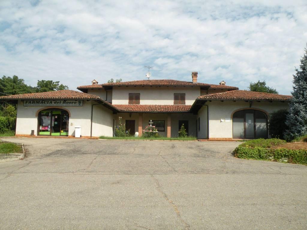 Villa in vendita a Monteu Roero, 5 locali, Trattative riservate   CambioCasa.it