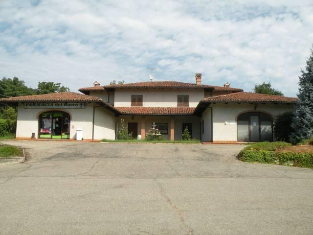 Villa in vendita a Monteu Roero, 5 locali, Trattative riservate | CambioCasa.it