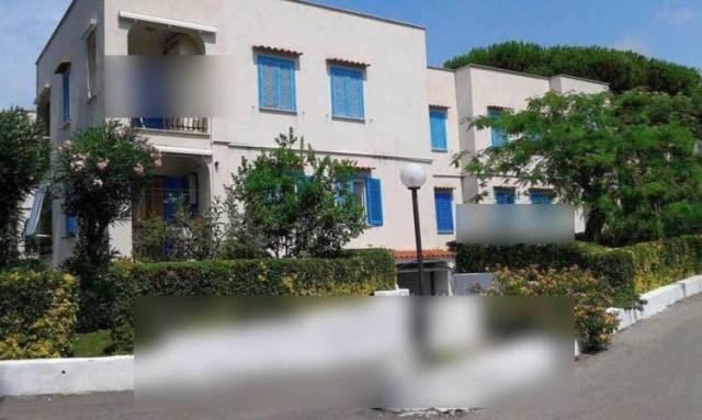 Appartamento in buone condizioni parzialmente arredato in vendita Rif. 4883202