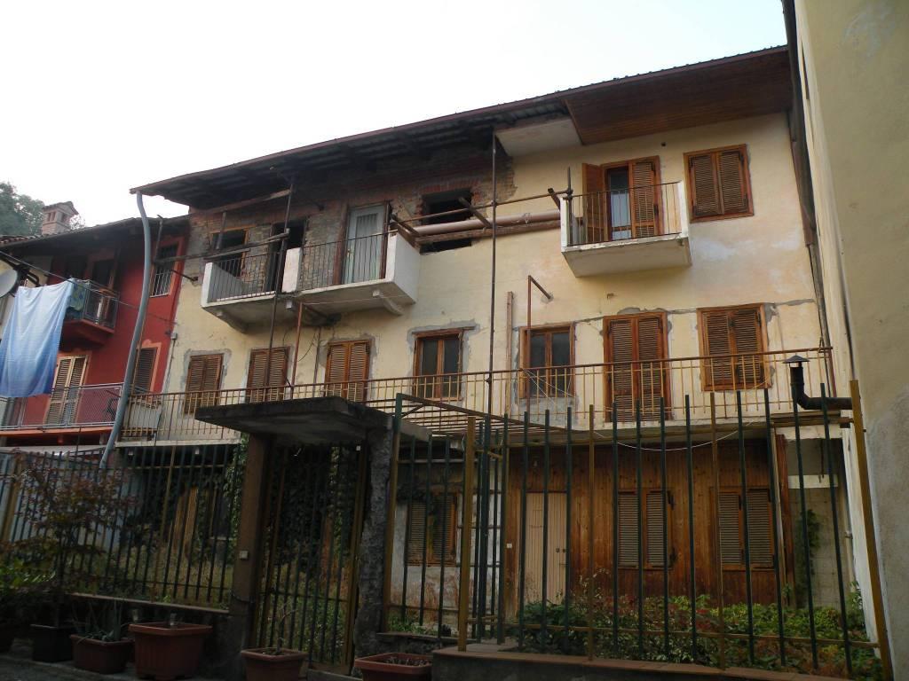 Rustico / Casale in vendita a Corneliano d'Alba, 5 locali, prezzo € 79.000   CambioCasa.it
