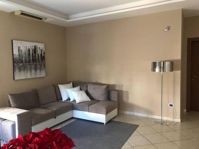 Appartamento in ottime condizioni in vendita Rif. 7043258