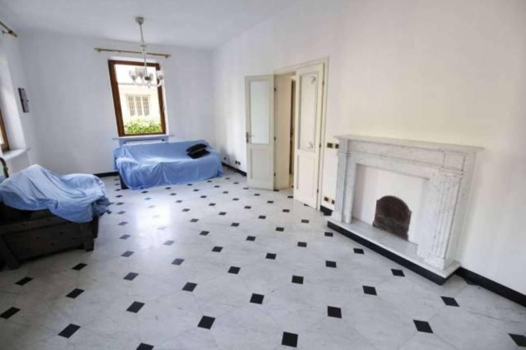 Villa in vendita a Massa, 6 locali, prezzo € 600.000   CambioCasa.it